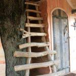 Echelle pour accés couchage supérieur dans cabane Escarcelle