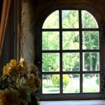 fenêtre intérieur de la chambre la tour