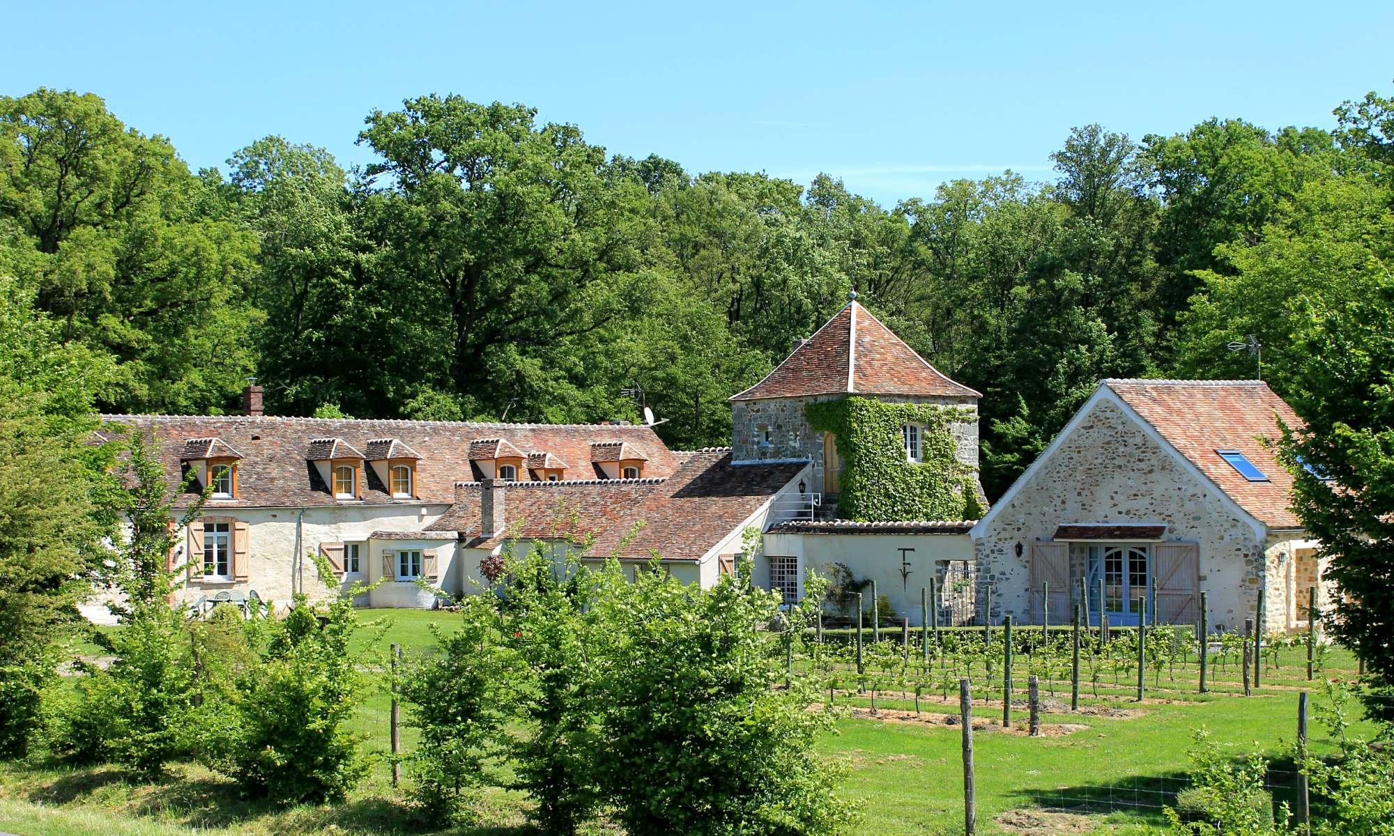 Gites de charmes - chambres historiques - cabanes dans les arbres