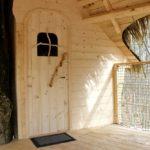 cabane en bois naturel